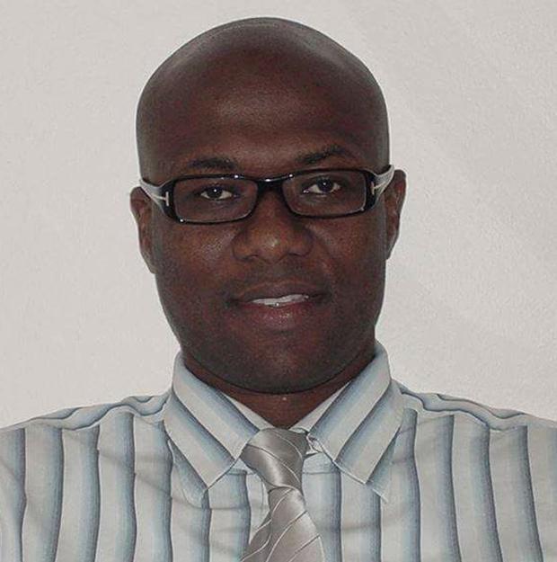 Dr henry Bello1