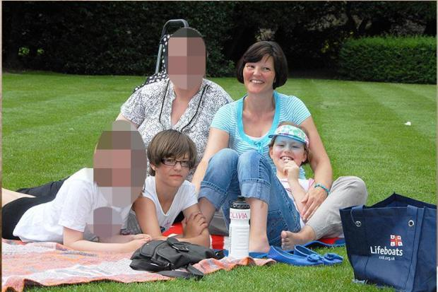 Kim Edwards [second left] with mum and sister Katie whom she stabbed to death1