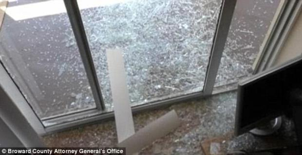 Fidel Lopez smashed the sliding glass door in his rage the day he killed Mariah Nemeth 2