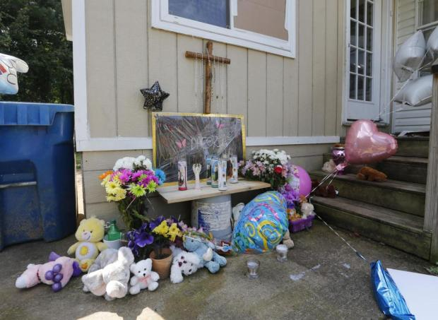 Memorial to victims from the Martinez family