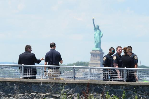 NYPD's harbor unit pulled a badly decomposed torso out of Brooklyn's Red Hook Channel.jpg