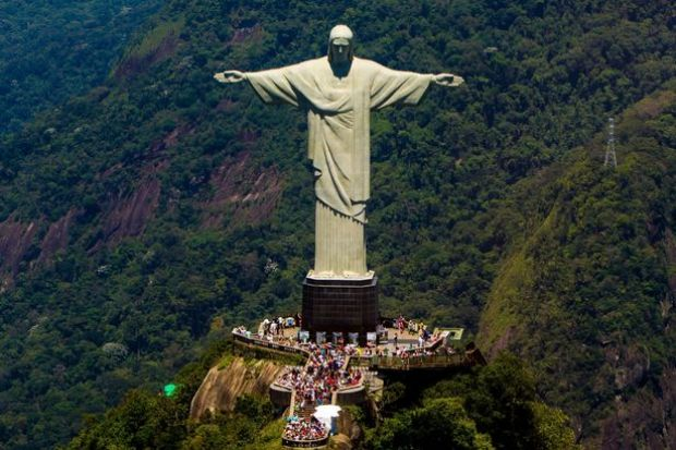 Tourists have been robbed on the trail to Christ the Redeemer