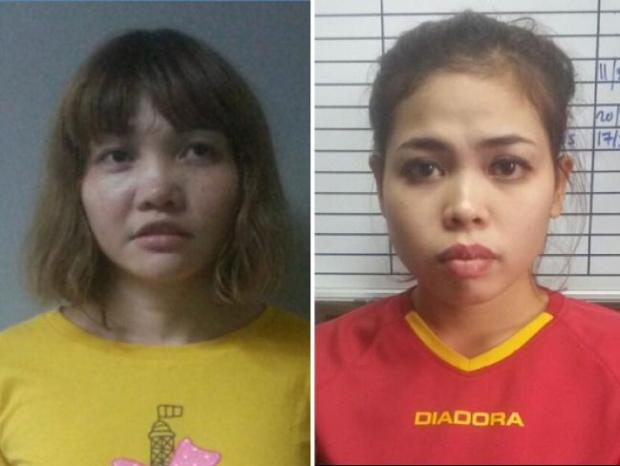 Doan Thi Huong of Vietnam (left) and Siti Ashyah of Indonesia 8.jpg