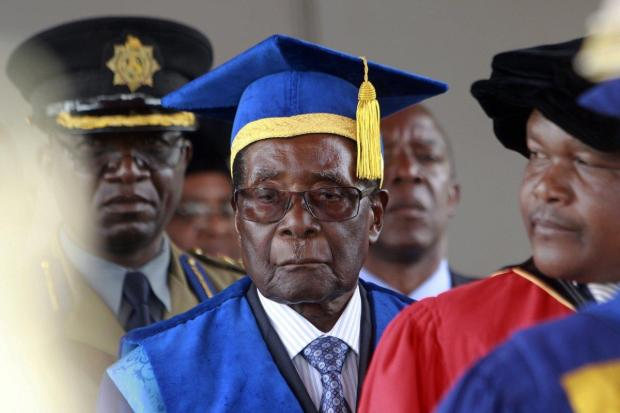 Robert Mugabe made his first public appearance at a graduation ceremony on the outskirts of Harare, Nov 16, 2017.jpg