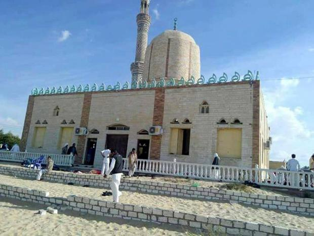 Scene of chao after attackers detonated a bomb outside the mosque.jpg