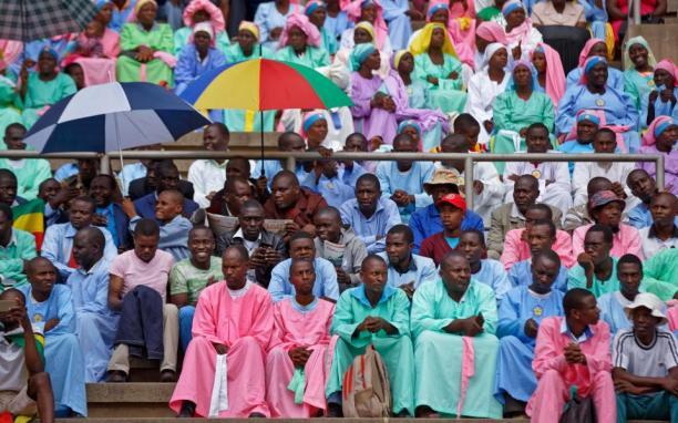 Spectatore at the stadium for the innauguration of Emmerson Mnangagwa.jpg
