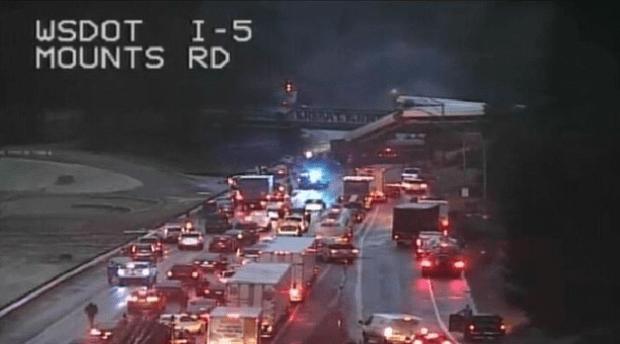 Amtrak derailment onto I-5 in Olympia, Wash Dec 18, 2017.png