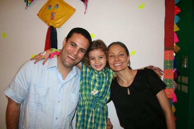 Kevin and Marina Krim lost their daughter Lulu (center) in the stabbing attack by Yoselyn Ortega 1.jpg