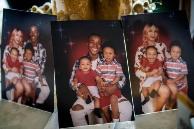 Stephon Clark, Manni his girlfriend and their kids 1.jpg