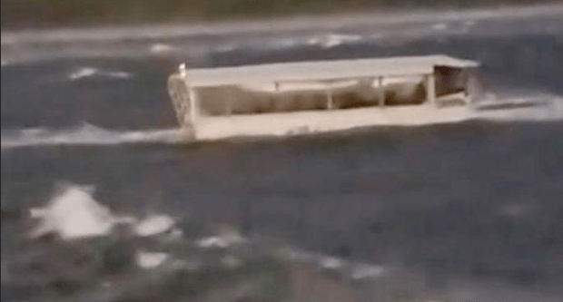 Packed sightseeing duck boat capsizes in Missouri lake.png
