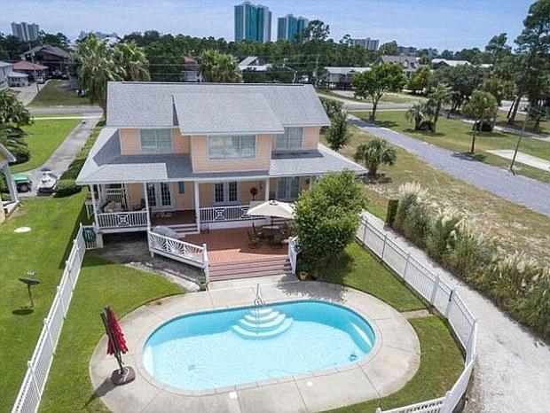 Todd Entrekin's beach house