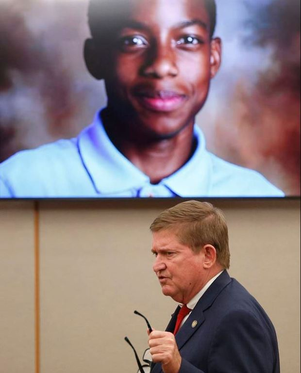 Michael Snipes gives a closing argument in Oliver's trial on Monday in front of a picture of Jordan Edwards
