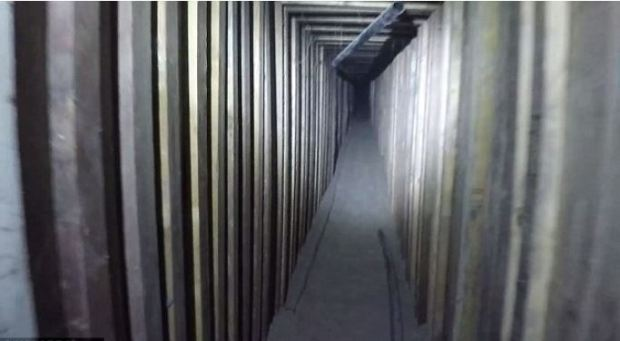 The smugglers police said, used ropes to pull the drugs along the tunnel across the border 1.JPG