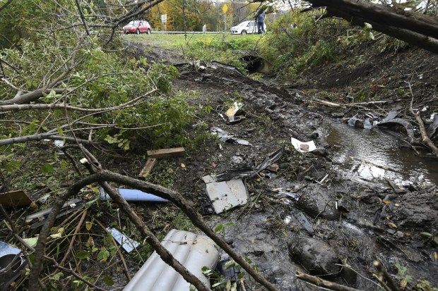 Limo crash in upstate NY 1.jpg