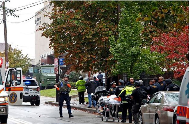Police respond tto synagogue shooting in Pittsburg, PA 2.JPG
