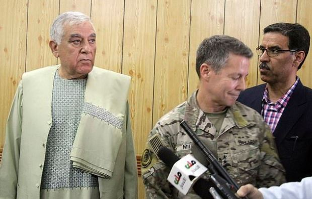 Zalmai Wesa [left] and Gen. Scott Miller 3.JPG