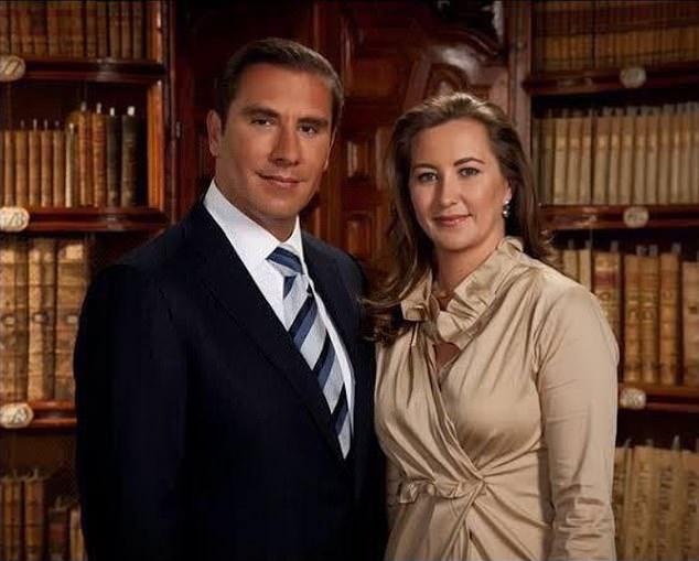 Martha Erika Alonso (right) and her husband e Rafael Moreno Valle Rosas (left) 1