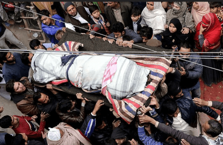 Funeral for family killed at checkpoint by cops in Pakistan 3