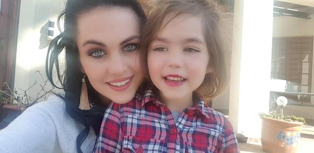 Angeline de Jager [left] and her daughter Amy Leigh de Jager [right] 2