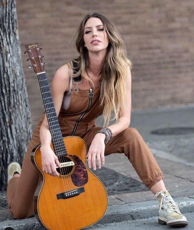 Kylie Rae Harris 15