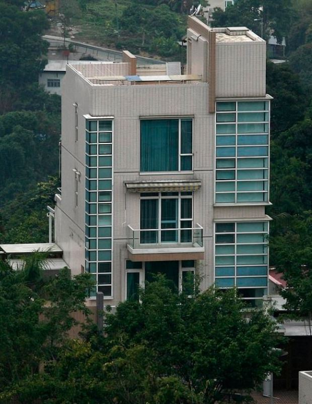 Robert Mugabe's villa in Hong Kong 1.JPG