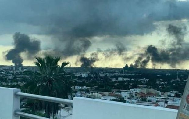 Culiacan, Mexico burns after Sinaloa cartel gunmen clash wit federal police 3
