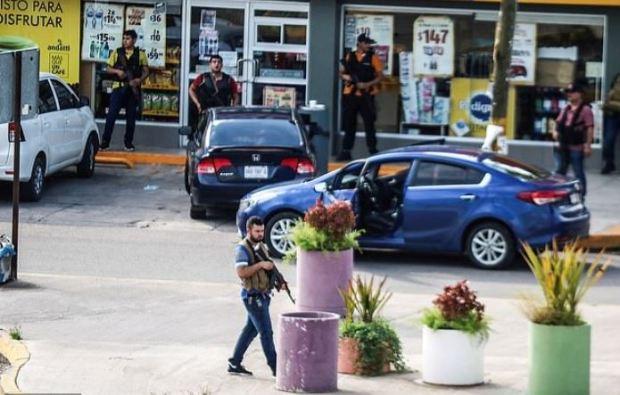 Sinaloa Cartel gunmen 1.JPG