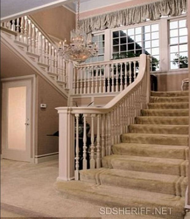 Jonah Shacknai;s home, interiors shot.JPG