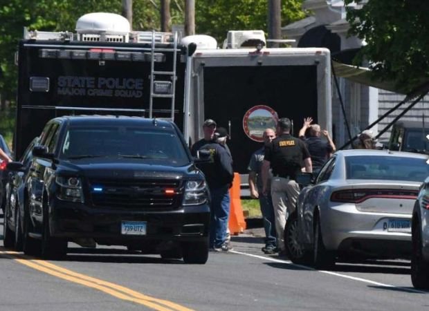 NJ police impound the car linked to suspect in Willington homicide, Derby death, Peter Manfredonia which was found in N.J.
