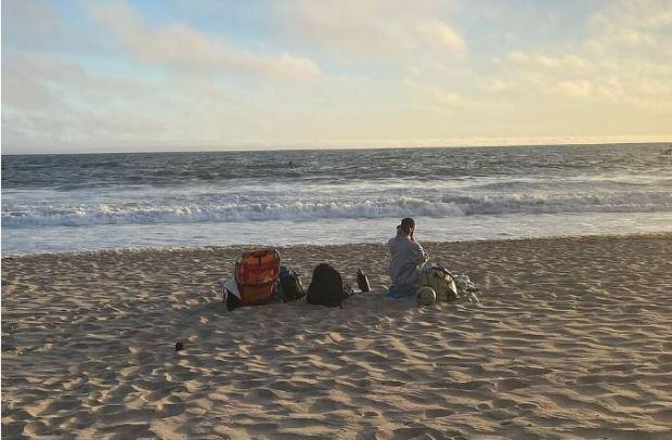 Siliana Gaspard remained on the beach 1
