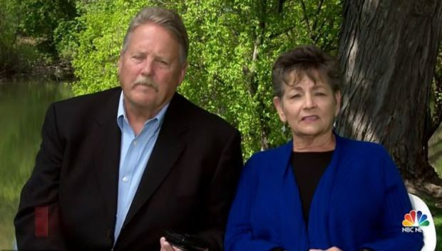 Maria Pew's parents, Bill Pew and Lissa Weimelt 1