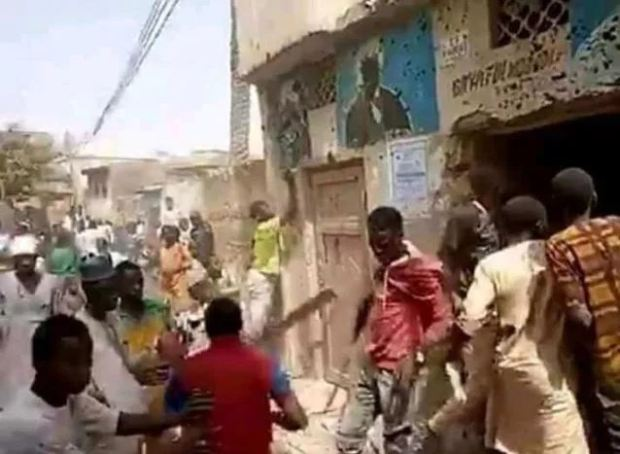 Protesters in Kano burn down muslim musician's home for blasphemy 4
