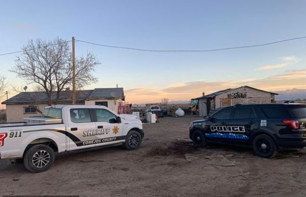This image has an empty alt attribute; its file name is Police-investigate-one-of-two-properties-where-skeletal-remains-were-found-about-20-miles-south-southeast-of-Alamosa-Colo.-on-Nov-18-2020.jpg