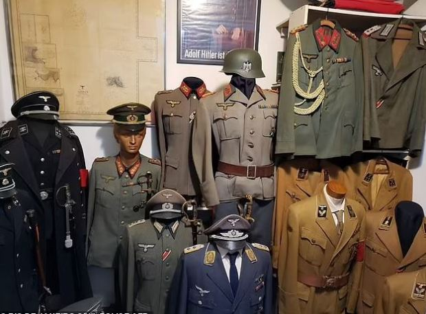This image has an empty alt attribute; its file name is Police-in-Brazil-discovered-a-Nazi-uniforms-in-Linhares-cache-2.jpg