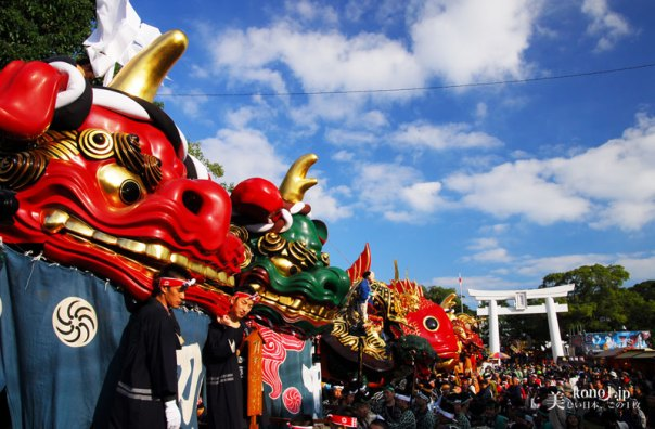 唐津くんち 唐津神社出発 一番曳山 赤獅子