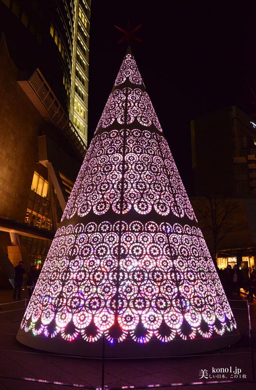 東京 六本木 クリスマス イルミネーション 六本木ヒルズ けやき坂 ツリー LED  青 赤