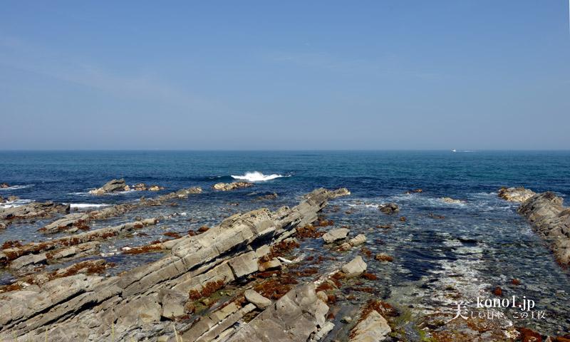 茨城県ひたちなか市 平磯海岸の荒々しくも美しい海岸線 ...