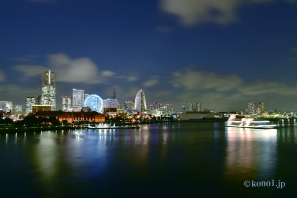 夜景 横浜港 赤レンガ ランドマーク パシフィックホテル 観覧車 マリーンルージュ 海 港 撮影