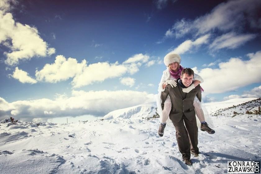 Zimowa sesja ślubna w górach - na Śnieżce | Konrad Żurawski
