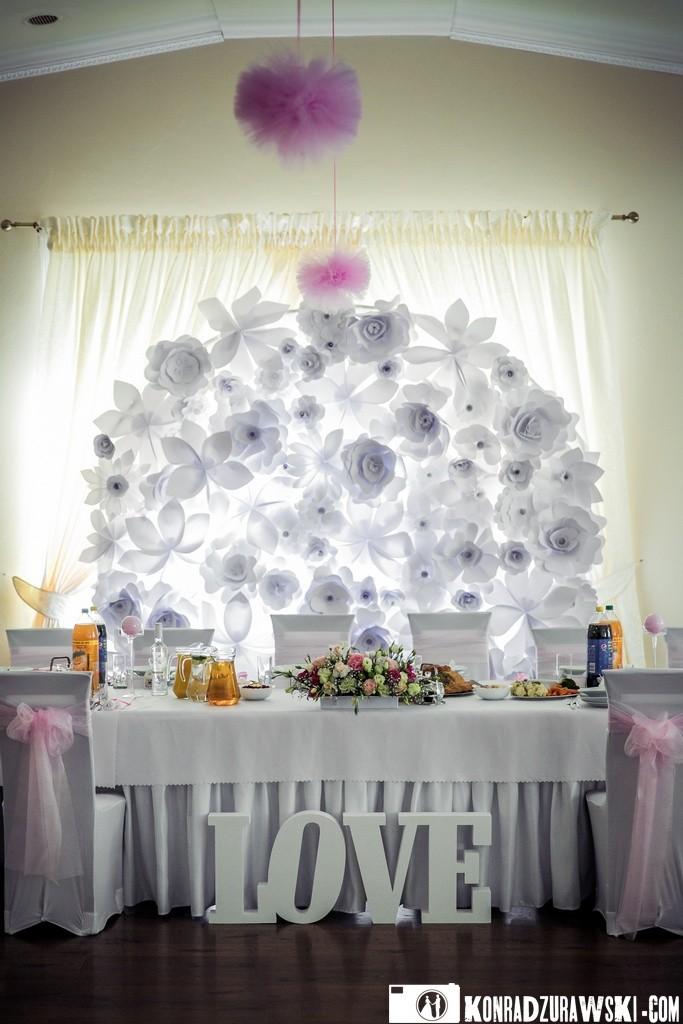 Dekoracje ślubne tworzą wyjątkowy klimat sali weselnej | Konrad Żurawski