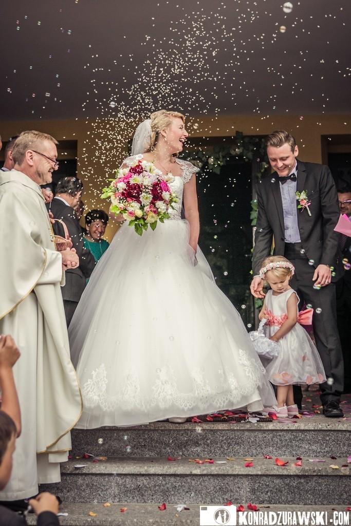 Doszły jeszcze bańki mydlane... ceremonia ślubna   Konrad Żurawski