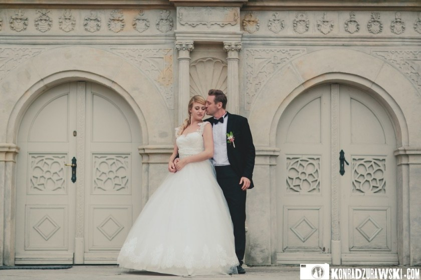 Ślub w Pałacu Wojanów daje możliwość zorganizowania przy okazji krótkiej sesji ślubnej   Konrad Żurawski