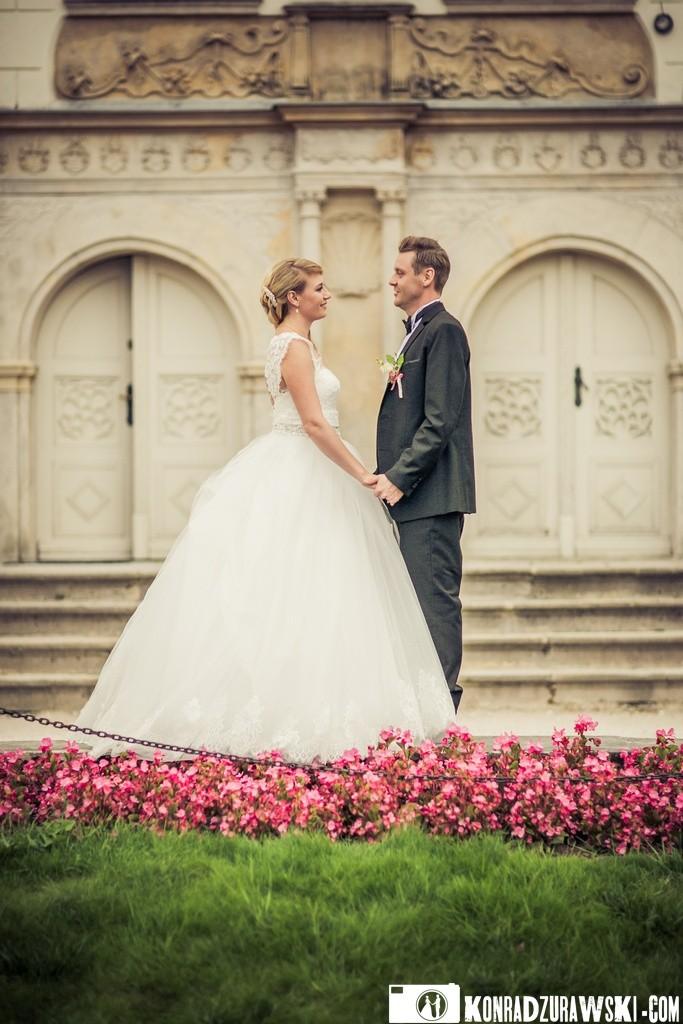 Zakochani Nowożeńcy   Sesja ślubna w wykonaniu Konrada Żurawskiego