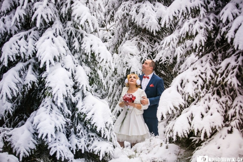 Zimowe plenery tylko przed południem zanim się zrobi ciemno, czyli zimowa sesja ślubna | Konrad Żurawski