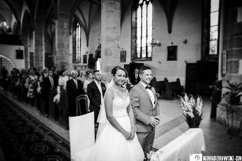Czarno-białe zdjęcia ślubne są tymi, o których nie zapominam podczas każdej relacji ze ślubu czy wesela   Konrad Żurawski