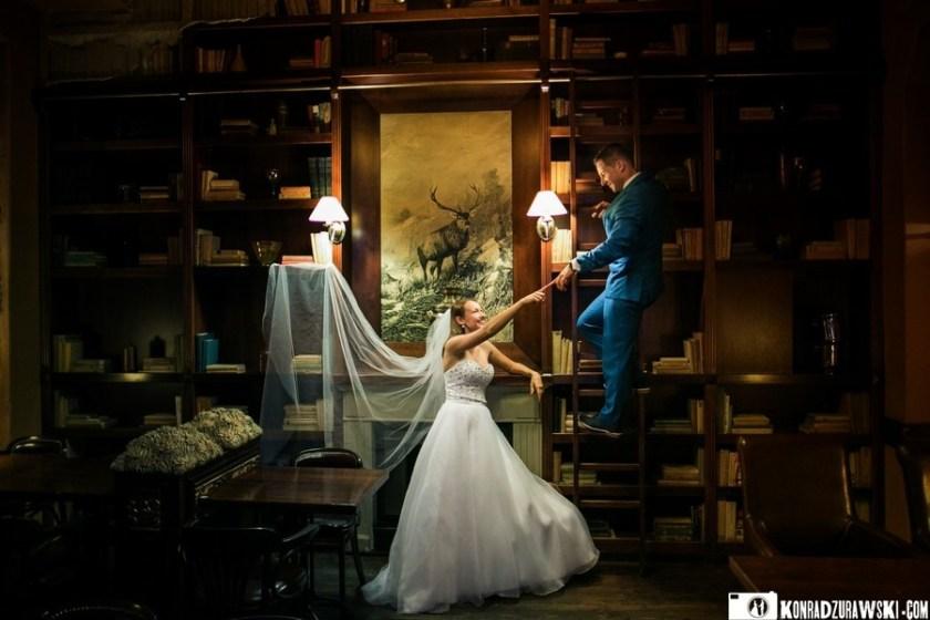 Kamila i Kamil podczas sesji zdjęcowej w Pałacu Brunów   fotograf ślubny Konrad Żurawski