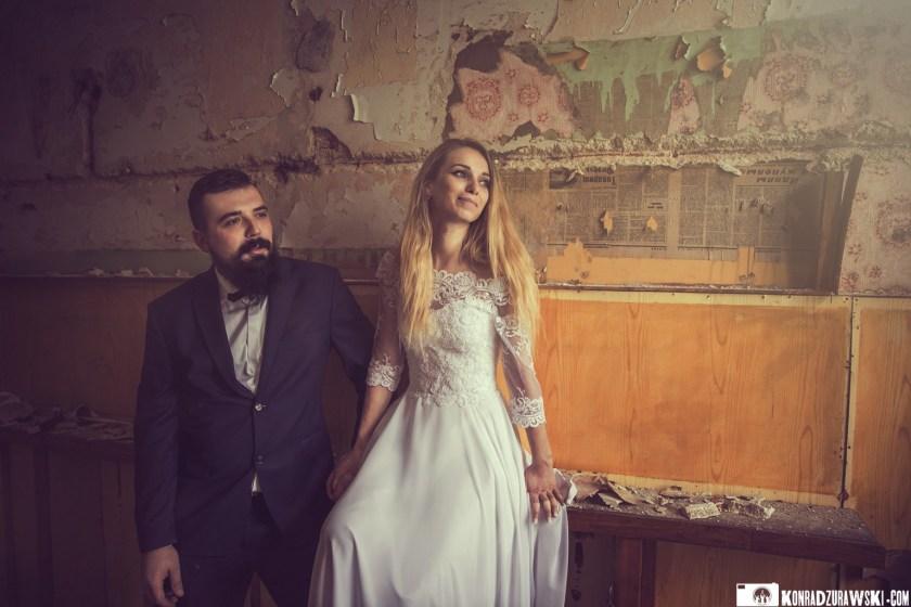 Sesja ślubna w opuszczonym budynku - fotografia ślubna Legnica | Konrad Żurawski