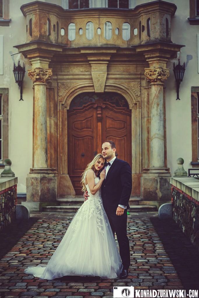 Wyjątkowe pałacowe dekoracje to doskonałe tło do ślubnych zdjęć | Konrad Żurawski