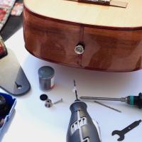 DIY: Ukulele Strap Buttons anbringen