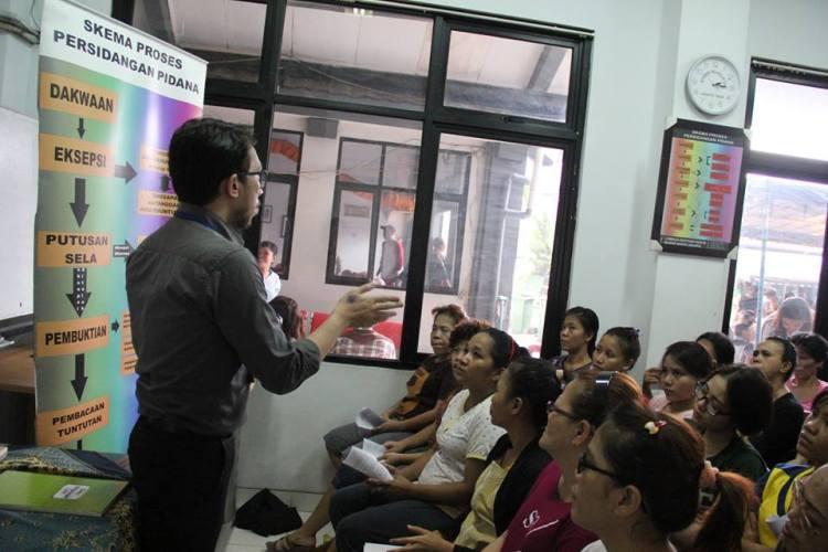 Pemberdayaan Masyarakat dengan pemyuluhan hukum kepada para tahanan wanita di Rutan Pondok Bambu Jakarta.